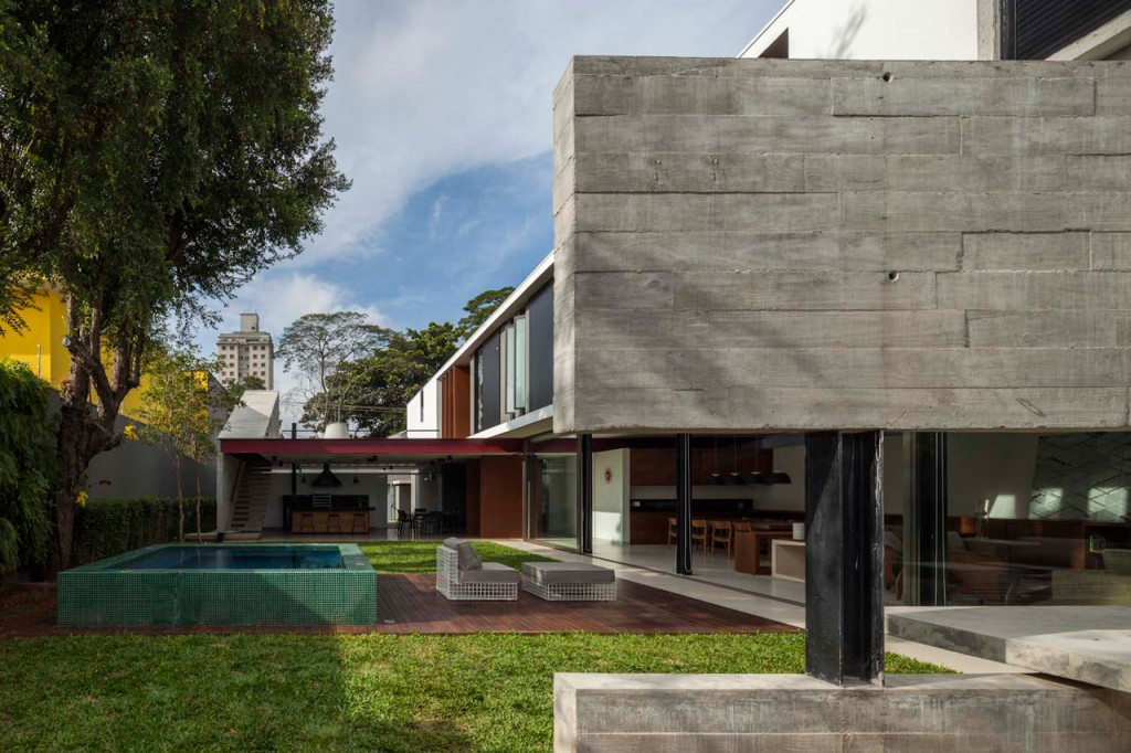 Una casa urbana de estilo arquitect nico contempor neo for Estilos de arquitectura contemporanea