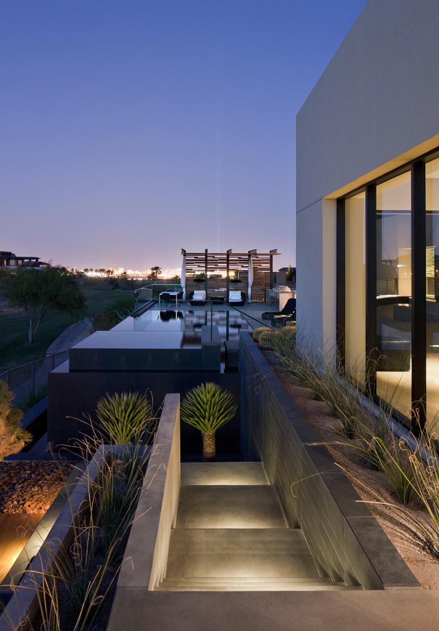 Dise o de casa moderna en el desierto de las vegas lf24 for Casa moderna 5