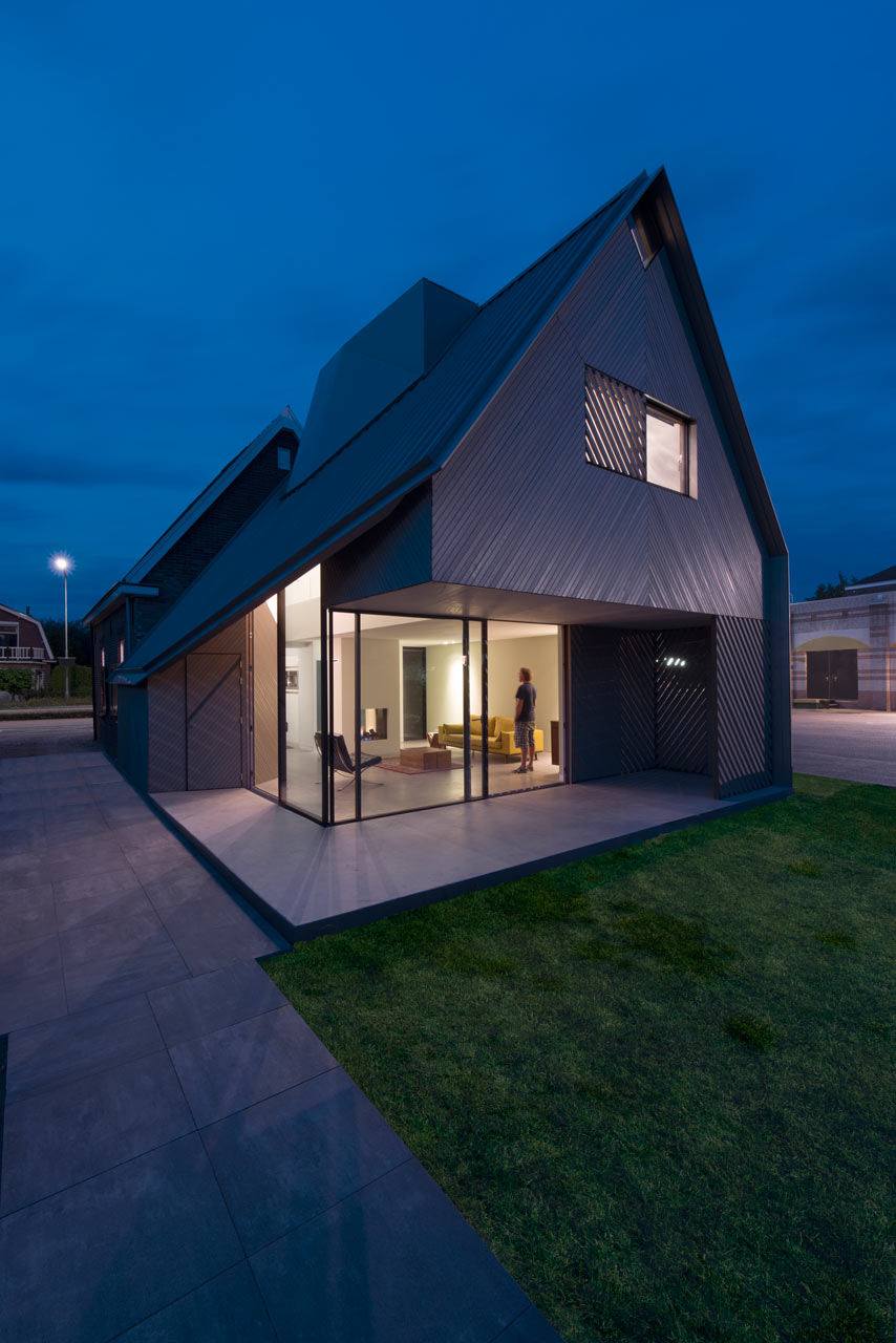 Vivienda moderna a adida a una casa holandesa existente lf24 for Casa holandesa moderna