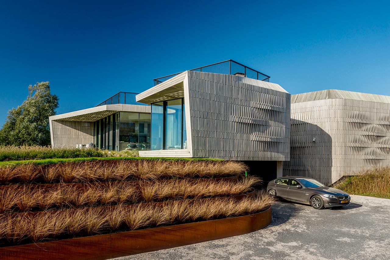 casa sostenible e inteligente con sistema integral de