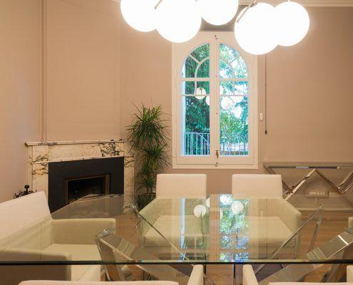 Sala de reuniones con mesa de cristal Cattelan italia